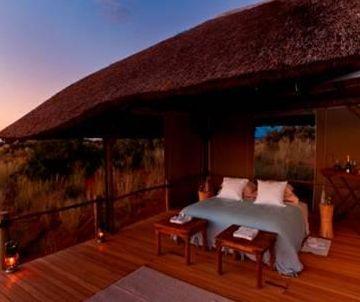 das romantischste bett der welt unterm freien sternenhimmel s dafrikas tv. Black Bedroom Furniture Sets. Home Design Ideas