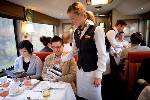 GoldenLeaf_Dining_Room Copyright: Armstrong Group